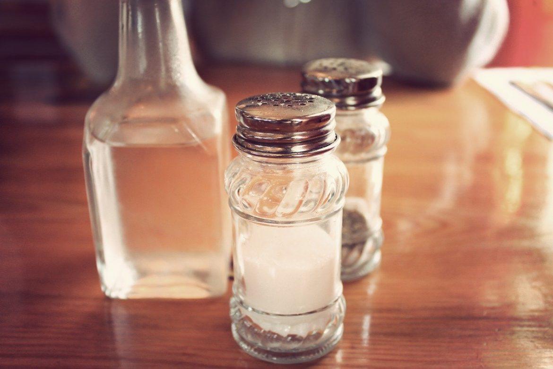 Vinaigre blanc : toutes les astuces pour une maison propre et naturelle